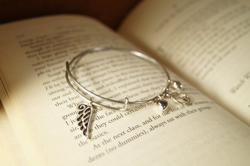 Peace Wing bracelet (Wings of Peace) - Bangle series