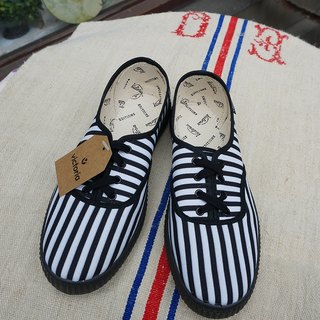 victoria Spanish nationals handmade shoes - black and white striped NEGRO (shoelace paragraph) (out of print)