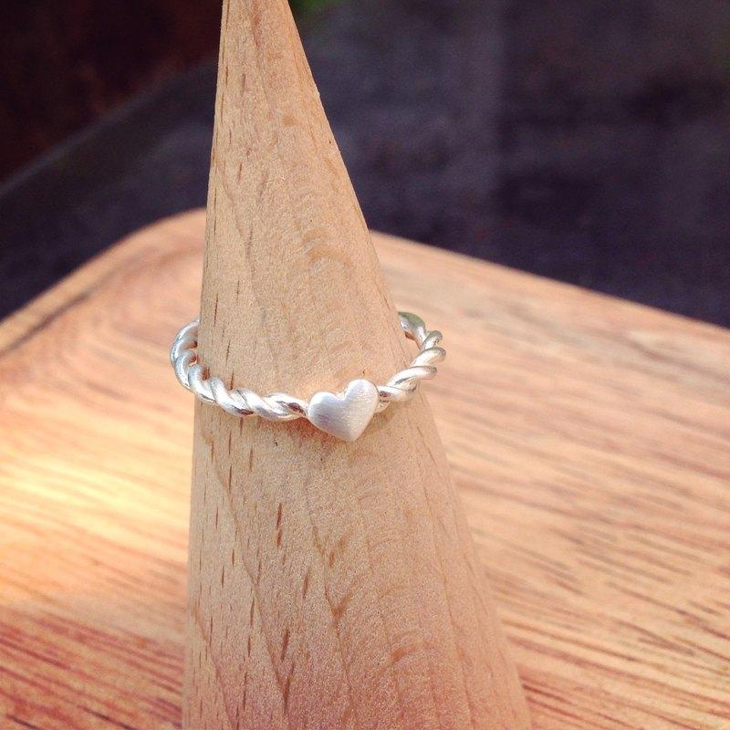 麻花愛心純銀戒指