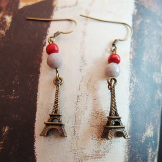 Classical Eiffel Tower earrings