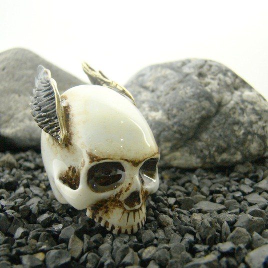 Realistic Skull wing ring in brass with painting enamel ,Rocker jewelry ,Skull jewelry,Biker jewelry