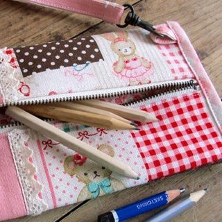 [Pure] Pink Lady hand-made lace pencil bag / pencil box / storage bag
