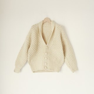 A ROOM MODEL - VINTAGE, CS-1583 beige retro thick knit cardigan sweater with a thick Shimokitazawa