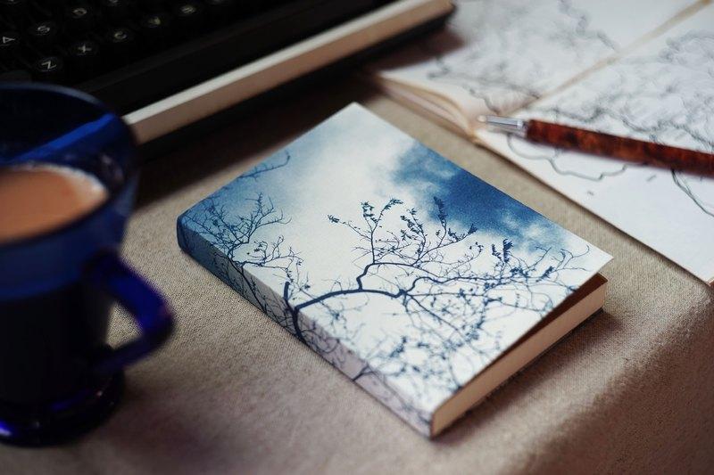 手工藍曬筆記本 - 冬日樹影