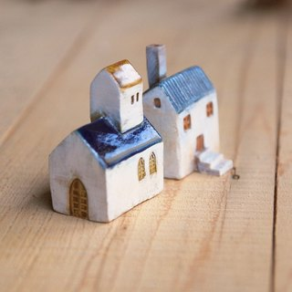 Blue Roof -5 Southern France Thao house (ceramic 2) Christmas + Birthday Gifts
