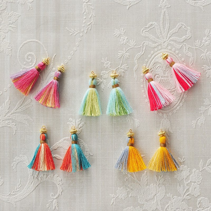 "Tassel Pierced earrings ""flower garden"""
