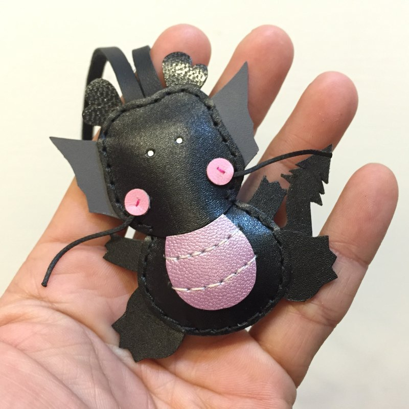 Handmade leather} {Leatherprince Taiwan MIT black cute dragons hand sewn leather strap / Puff the Dragon leather charm in black (Small size / small size)