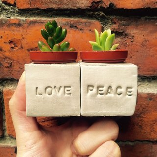 Love & Peace Love & Peace magnet // handmade pot set