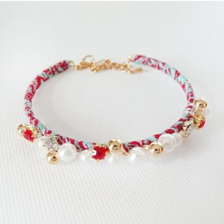 Cha mimi. Low-key charm. Lovely floral pearl diamond bracelet selvage