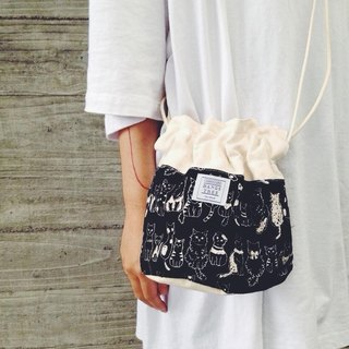 :::Bangstree:: Shoulder Bucket Bag -black cats