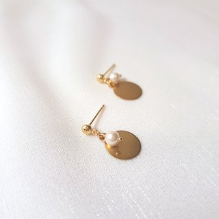 Cream thin pearl earrings