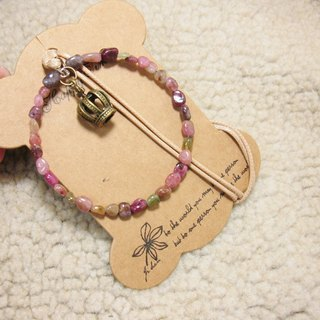 Small crown with irregular gravel circle color tourmaline pendant rope attached to the neck, only a brown line