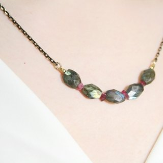 [Ofelia arts & amp; crafts] Natural Stone - Natural labradorite x red garnet necklace [J32-Felicia]