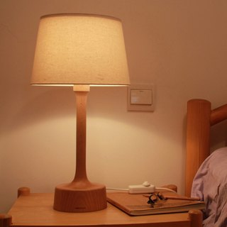 Beladesign. Brother beech wood table lamp