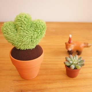 Hand-made plant: hairy small pot