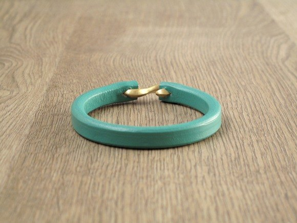Simple Wind Handmade Leather Bracelet (Turkey Blue)