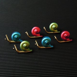 Desk + 1 │ slow living snail magnet group (6 Pack)