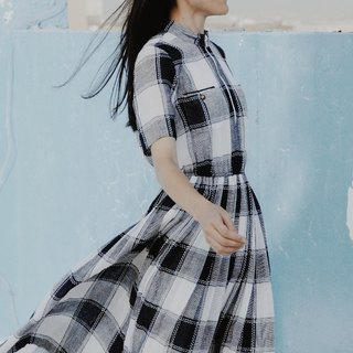 Spend vintage | Nippon blue white striped dress