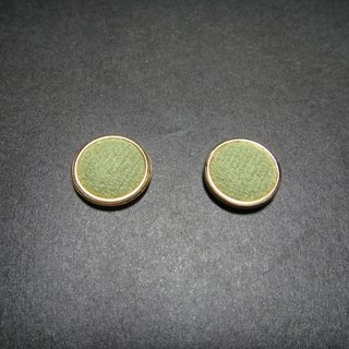 (C) _ Matcha milk cloth button earrings Phnom Penh GC22BT / UZ72