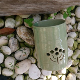 Hand-made pottery burned incense holder (round seat / Matcha)