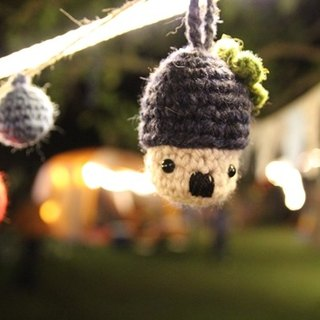 Amigurumi crochet: Camping ball, Colorful woolen ball, Pom Pom Garland, Hitler