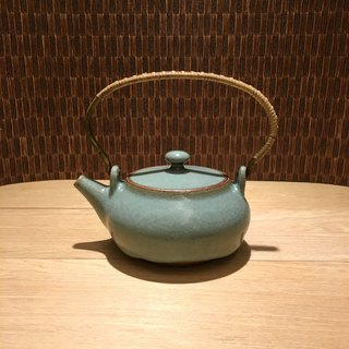 Hand made celadon portable copper handle rattan pot Xiao Hongcheng teacher