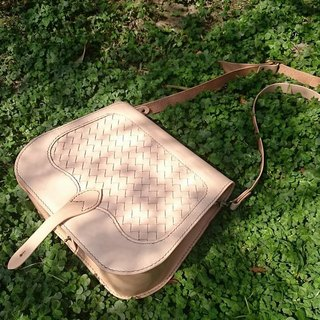 New Listing - primary vegetable tanned hand woven saddle bag