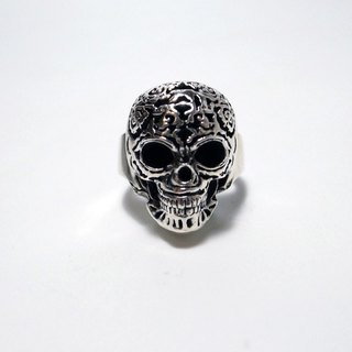 Human & amp; Monster Series - a silver skull ring
