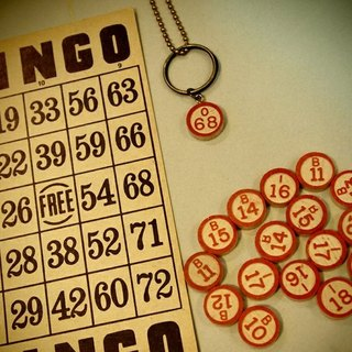 Classic games Bingo necklace + keychain combo group