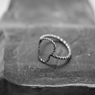 【janvierMade】Simplicity Sterling Silver Ring / Minimalist Twisted Heart Ring / 925 Sterling Silver Handmade