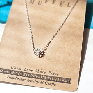 MUFFëL 925 Silver Silver Series - small fresh daisy necklace clavicle