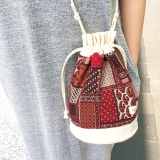 Shoulder bag  crossbodies  bucket bag ::: Red paramecium :::