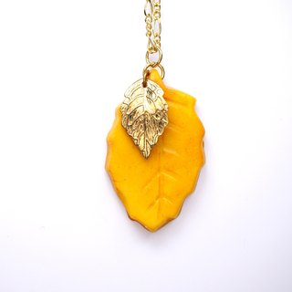 *Playful Design*  Leaf Biscuit Necklace