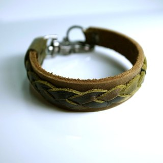 Satin soft matte leather combined with camouflage pattern printed leather braided leather bracelet hand-made in New York