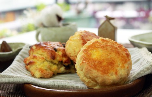 Round - Traditional English scone
