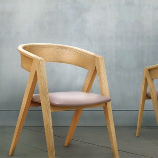 / Viithe / The V V dining chair