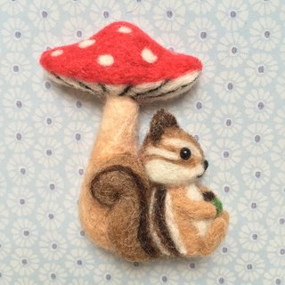 Squirrel Under Mushrooms - Hand-made wool felt pins