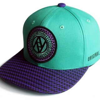 Arturn / Jagged snapback cap Triangle Plaid baseball cap / green and purple