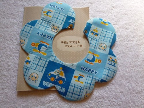 Bear and blue car pattern Bibs Baby Bibs