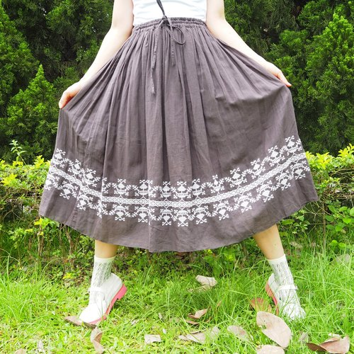 Brown elastic waist skirts embroidered motifs