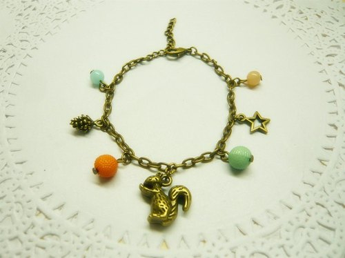 Nadia ♥ forest squirrel gnawing pine cones Bracelet * Customizable