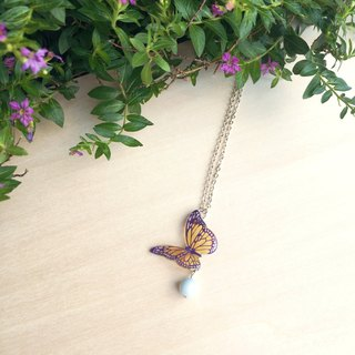 *Haku‧Neko*texture painted purple butterfly crystal pearl necklace