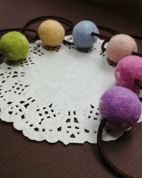 [Cream] super cute plush handmade wool felt little fantasy colorful macarons children hair band hair accessories headband tress gifts