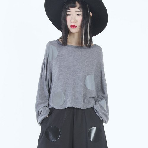 Silky simple thin gray long-sleeved T-shirt T-shirt - imakokoni