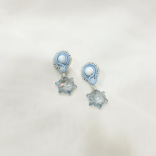 Hand-sewn SWAROVSKI crystal earrings Edelweiss series - Qin through blue
