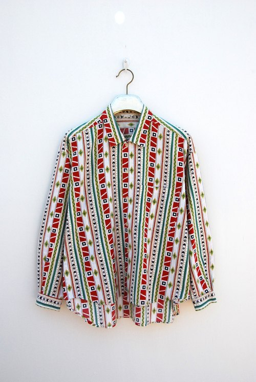 Neutral vintage print shirt
