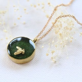 Insects on the grass necklace