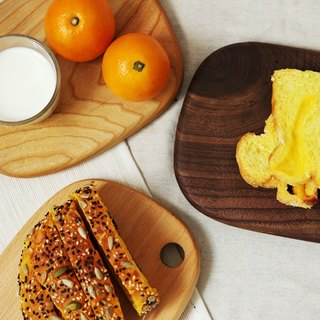 Moment of wood are - Xi Kobo - wood cutting board, bread plate, cheese plate, dish (walnut, cherry) - bread small oval section