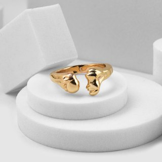 Thigh bone ring (gold)