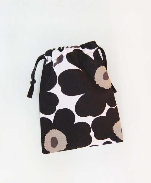 Selected Northern Europe and Finland Marimekko cotton cloth bag small black poppy bouquet rope